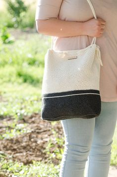 Crochet bag #MyLovelyBag London black and cream with rope handles by MyLovelyHook