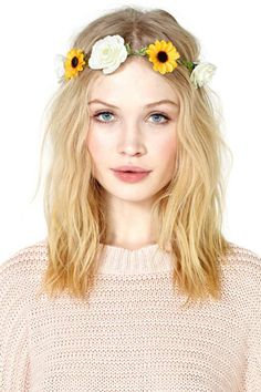 loving this haircut. and obviously the flower crown from Nasty Gal