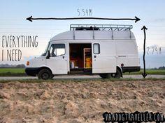 Como convertir una vieja furgoneta en una acogedora casa móvil alimentada con energía solar-9