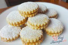 Křehké sušenky s kondenzovaným mlékem Christmas Sweets, Christmas Baking, Czech Recipes, Cake Cookies, Biscotti, Cookie Recipes, Bakery, Muffin, Food And Drink