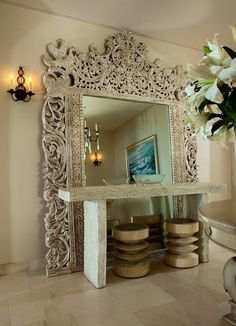 Love the idea of this enormous mirror behind the console table. Style Talk: Sandra Espinet on The Well-Traveled Home – AphroChic – Modern Home Decor, African American & Global Accessories for Contemporary Spaces with Modern Soulful Style Home Interior, Modern Interior Design, Home Design, Interior And Exterior, Interior Decorating, Design Ideas, Design Shop, Design Projects, Do It Yourself Decoration