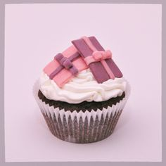 Presents cupcake #presents #cupcake