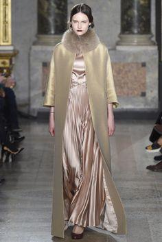 Luisa Beccaria RTW Fall 2015 | WWD High Street Brands, Luisa Beccaria, 2015 Trends, Fashion Show, Milan Fashion, Runway Fashion, Fashion Images, Muslim Fashion, Fall 2015