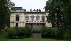 Statsråd Astrups villa - Wikipedia Oslo, Mansions, Architecture, House Styles, Building, Villas, Home, Google Search, Arquitetura