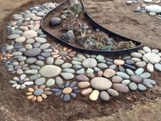 This garden pebble art is perfect for those spots where nothing will grow!