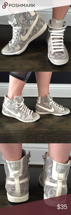 Nike fashion high-tops Light grey with pattern, Nike high-top gym shoes. Nike Shoes Sneakers