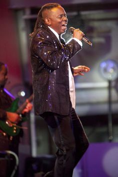"""Earth Wind & Fire - vocalist Phillip Bailey - lead singer on """"Reasons"""" Keep your head to the sky"""" and others. Easy Listening Music, Good Music, Music Is My Escape, Music Is Life, Play That Funky Music, Kinds Of Music, Songs About Fire, Earth Wind & Fire, Old School Music"""