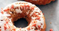Sunny Day Family Easy Homemade Dog Donuts Your Pup Will Go Crazy For-No pup can resist these dog donuts with yogurt frosting and bacon sprinkles! No Bake Dog Treats, Homemade Dog Treats, Pet Treats, Dog Treat Recipes, Dog Food Recipes, Dog Calming Spray, Peanut Butter Cookies, Donuts, Healthy Eating