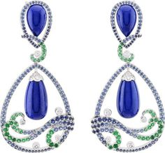 Vagues Lapis-lazuli earrings: Lapis lazuli, sapphires, emeralds, diamonds. © Van Cleef & Arpels