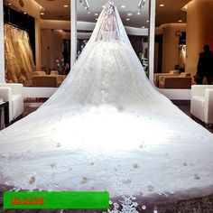 Long Train 1.5 Meters Luxury Lace Appliqued Ball Gown Wedding Dress Alibaba Bridal Gowns With Petticoat And Veil