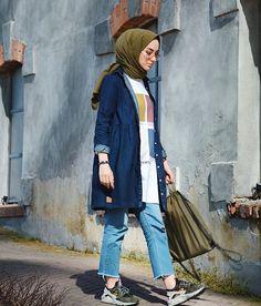 46 ideas for dress hijab casual fashion Modern Hijab Fashion, Street Hijab Fashion, Tokyo Street Fashion, Hijab Fashion Inspiration, Muslim Fashion, Modest Fashion, Fashion Outfits, Trendy Fashion, Style Fashion