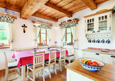 Chalupa v horských lukách Modern Farmhouse Kitchens, Country Kitchen, Kitchen Layout, Kitchen Design, Wood House Design, Wood Interiors, Arte Popular, House In The Woods, Sweet Home