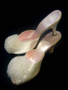 GORGEOUS 30s Rhinestone 1940s Satin French Boudoir Slippers Shoes Daniel Green #DanielGreen