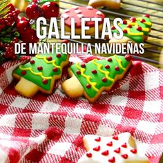 Prepara esta navidad unas deliciosas galletas navideñas, son muy fáciles de hacer y las puedes dar como regalo. Xmas Food, Christmas Cooking, Christmas Desserts, Christmas Recipes, Sugar Eggs For Easter, Easter Egg Cake, Cookie Desserts, Cookie Recipes, Dessert Recipes