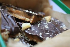 Fredericton Walnut Toffee - This brittle toffee recipe was brought to New Brunswick, Canada by English settlers and has become a Christmas Day favorite in the area. Recipe was traced to a 1735 cook book printed in London, England. Candy Recipes, Holiday Recipes, Cookie Recipes, Dessert Recipes, Christmas Recipes, Christmas Treats, Christmas Baking, Christmas Things, Christmas Goodies