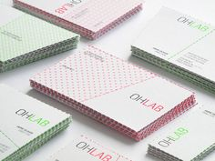 The 40 best business cards of the 2012. Love the dotted boarder line.