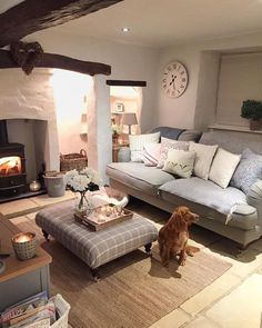 Good Country Living Room Decor Starts With These Steps - Best Useful Home Decor Tips Living Room Decor Country, Cottage Living Rooms, My Living Room, Home And Living, Small Living, Modern Living, Cosy Living Room Small, Apartment Living, Living Room Corner Decor