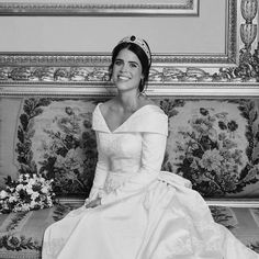 Famous Wedding Dresses, Royal Wedding Gowns, Royal Weddings, Wedding Bride, Wedding Outfits, Princess Beatrice, Princess Eugenie, Royal Princess, Princess Wedding