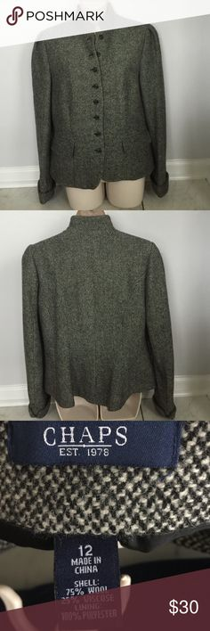 Chaps vintage blazer Tweed with two front pockets.8 barony buttons. Cuffed sleeves. Very classy!!! Chaps Jackets & Coats Blazers