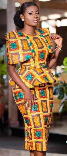 10 photos - the new African outfits in Wax that you need for the year . 10 photos - the new African outfits in Wax that you need for the year . African Fashion Ankara, African Fashion Designers, Latest African Fashion Dresses, Ghanaian Fashion, African Dresses For Women, African Print Dresses, African Print Fashion, Africa Fashion, African Attire