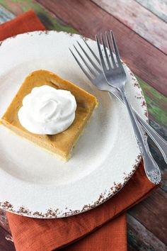 Blog post at Sweet as a Cookie : It's pumpkin pie for a crowd. These creamy pumpkin pie bars are perfect for a large pumpkin pie loving thanksgiving crowd. Why ma[..]