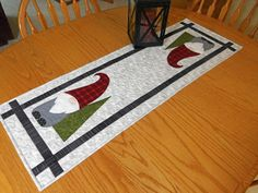 Vicki's Crafts and Quilting: Gnome Table Runner