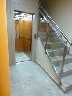 Monente Arquitectura : Instalación de ascensor en Pamplona, eliminación de barreras arquitectónicas, accesibilidad, rehabilitación de fachadas y cubiertas.