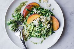 """""""Courgetti"""" Salad with Creamy Roquefort and Juicy Peaches Recipe on - New Ideas Healthy Eating Recipes, Vegetarian Recipes, Cooking Recipes, Healthy Salads, Zucchini Salad, Recipe Zucchini, Cereal Recipes, Vegetable Side Dishes, Food 52"""