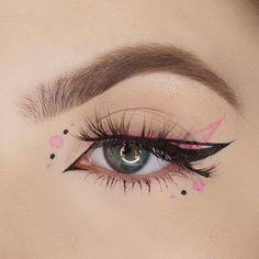 Edgy Makeup, Makeup Eye Looks, Dark Skin Makeup, Eye Makeup Art, Cute Makeup, Makeup Inspo, Eyeshadow Makeup, Makeup Inspiration, Glitter Eyeshadow