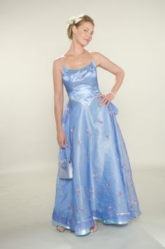 27 Dresses - Katherine Heigl in one of the bridesmaid dresses