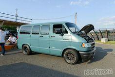 Drifting in Japan, and car life. Dodge Ram Van, Chevy Van, Sportsmobile Van, Van Home, Cool Vans, Van Living, Custom Vans, Camper Van, Plymouth