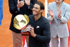 AP Published 10:18 a.m. ET April 23, 2017 | Updated 4 minutes ago Rafael Nadal celebrates as he carries his trophy during the prize ceremony after winning the Monte-Carlo ATP Masters Series Tournament.(Photo: Valery Hache, AFP/Getty Images) MONACO (AP) —... http://usa.swengen.com/rafael-nadal-beats-albert-ramos-vinolas-to-win-10th-monte-carlo-masters/
