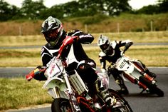 Andreas (the first of course ;-) at Supermoto HUNGARY 2011. My bike: YZF250 Yamaha