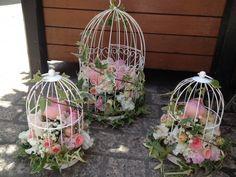 Blossom Tree Wedding, Blossom Trees, Deco Table Communion, Cage Deco, Deco Pastel, Bird Cage Centerpiece, Centre Pieces, Flower Photos, Wedding Table