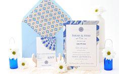 Wedding invitation with beautiful retro pattern in shades of blue and golden. Invitación con diseño retro para una boda en la playa. www.azulsahara.com