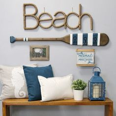 Outstanding smart home decor advice tips are offered on our internet site. Read more and you wont be sorry you did. Diy Wall Decor, Diy Home Decor, Oar Decor, Deco Marine, Beach House Decor, Beach Houses, Beach Room Decor, Beach Theme Rooms, Beach Themed Decor