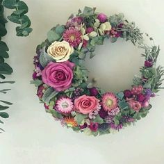 Wreaths And Garlands, Xmas Wreaths, Dried Flowers, Paper Flowers, Wedding Wreaths, Deco Floral, Funeral Flowers, How To Preserve Flowers, Summer Wreath