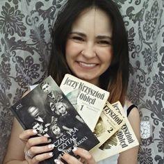 Kwiecień pod znakiem książki robiącej z mózgu sieczkę...  #kochamksiążki #kochamczytać #april #book #booknerd #booklover #krzysztoń #johnatancarroll #obłęd #madness