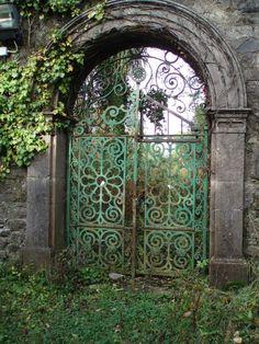 garden gates and fences | Enter the Garden