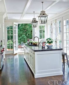 4 Vibrant Tips: Kitchen Remodel Checklist House kitchen remodel layout apartment therapy.Kitchen Remodel Cost Home kitchen remodel pictures window.Kitchen Remodel With Island Counter Tops. Modern Farmhouse Kitchens, Home Kitchens, Colonial Kitchen, Dream Kitchens, Country Style Kitchens, Country Kitchen, Modern French Kitchen, Farmhouse Style, Rustic Chic Kitchen