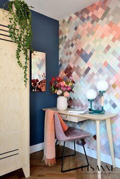 Interieurblog ~ Lisanne van de Klift ~ Home & Lifestyle Cafe Industrial, Loft, Painting Wallpaper, Inspiration Wall, Design Awards, Accent Chairs, Tiles, Home And Garden, Living Room