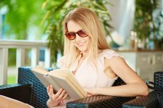 Reader Sunglasses are More than Tinted Reading Glasses - Reader Sunglasses Copy Editing, Editing Writing, Free Courses, Online Courses, Contexto Social, Real Academia Española, English Course, Proofreader, Lost In Translation