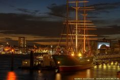"Rickmer Rickmers - Hamburg (from <a href=""http://digitalfoto-welt.de/picture.php?/146/category/9"">Rainer Kaufhold - digitalfoto-welt.de - digital photo world</a>)"
