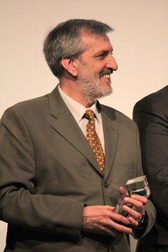 No passado dia 8 de abril, José Pinto de Sá, sócio fundador da empresaPinto de Suit Jacket, Suits, Jackets, Accounting, Founding Fathers, Past, Down Jackets, Suit, Jacket