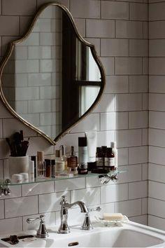 Retro Home Decor Bad Inspiration, Bathroom Inspiration, Interior Inspiration, Home Interior, Bathroom Interior, Interior Decorating, Interior Modern, Style At Home, Retro Home Decor