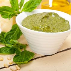 Sauce au pesto de ma grand-mère Parmesan, Sauce Pesto, Sauces, Pudding, Fruit, Ethnic Recipes, Desserts, Food, Mayonnaise