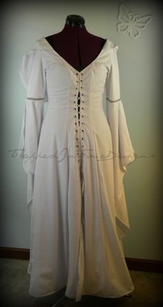 Mother Confessor gown from Legend of the Seeker...beautiful!