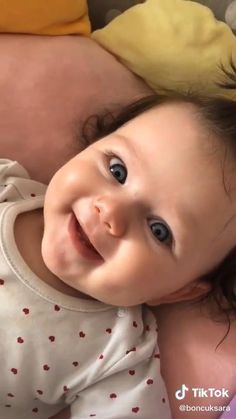 Cute Funny Baby Videos, Cute Baby Girl Pictures, Cute Funny Babies, Funny Baby Memes, Funny Kids, Cute Kids, Cute Babies Pics, Cutest Babies, Cute Asian Babies