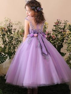 Handmade Flower Embroidery r Princess Long Dress The Dress, Baby Dress, Little Girl Dresses, Girls Dresses, Long Dresses, Lila Baby, Kids Gown, Kids Long Dress, Flower Dresses