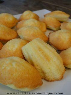 Voici une recette de madeleine avec une belle bosse. Une recette économique au thermomix, les madeleines sont légères, à parfumer selon ses goûts, top !